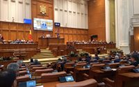 Parlamentul a adoptat declaratia presedintelui Camerei Deputatilor in care se contesta ingerintele in activitatea legislativului