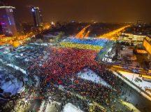 Catalin Harnagea spune ca tricolorul din Piata Victoriei seamana cu punerile in scena facute pentru Nicolae Ceausescu