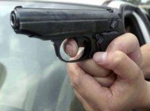"Cugir: Baiat amenintat pe strada de un tanar ""pistolar"""