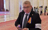Deputatul Florin Roman a iesit temporar din greva foamei dupa ce a vorbit cu Dragnea si Orban