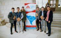 """Conștiința filantropică a comunității este în creștere în Alba.  241 de cărți au fost luate acasă de participanții la """"Blind Date"""
