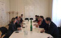 """Victor Negrescu: """"România și Austria lucrează împreună pentru a asigura continuitate la nivelul Președinției Consiliului Uniunii Europene"""""""