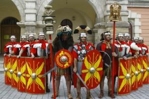 Alba Iulia promovată de garda romană în benzinăriile Petrom