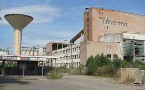 Fosta fabrică Refractara sub asediul hoţilor de fier vechi