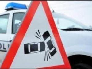 accident-rutier-produs-in-urma-unei-coliziuni-dintre-o-caruta-si-o-autoutilitara
