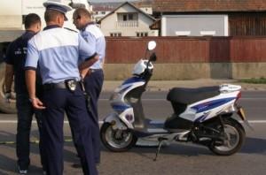 aproape-140-de-persoane-cercetate-pentru-ca-au-condus-mopede-fara-permis1359624964