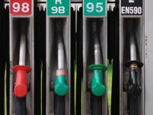 De la 1 ianuarie 2014 cresc accizele la carburanţi