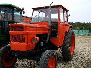tractor-600x450