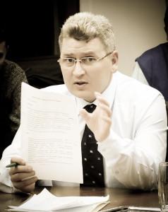 Florin Roman solicită  retragerea din procesul dezbaterii publice a noului Cod Rutier