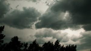 Până la ora 16:30 cod galben de furtună în Apuseni