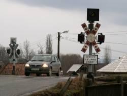 Șoferi amendați pentru nerespectarea regulilor la trecerile la nivel cu calea ferată