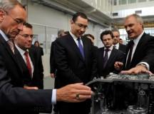 Ponta s-a întâlnit în Germania cu muncitorii români de la Daimler