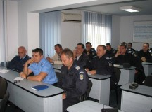 Jandarmii din Alba se instruiesc în prevenirea consumului de droguri