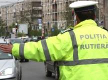 Opt seturi de oale si un covor confiscate de Politia Alba