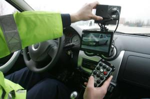 Amenzi de peste 6,000 lei aplicate șoferilor vitezomani din Alba