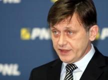 Crin Antonescu îşi critică public miniştrii: Ministrul Stroe a comunicat catastrofal, ministrul Mănescu nu a comunicat deloc. Voi propune măsuri politice radicale