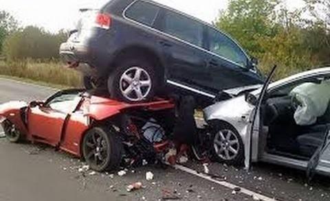 amazing-car-crash-sj-8-480x293