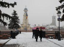 ANM: Urmeaza doua zile de ploi, ninsori si polei in judetele din Transilvania