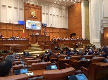 Parlamentarii ALDE si PSD obligati sa fie la Bucuresti pentru motiunea impotriva Guvernului Grindeanu