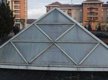 Mesaje pe piramida de la Primaria Alba Iulia