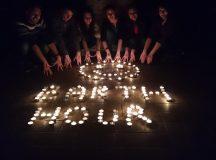 Studentii au stins lumina pentru Earth Hour