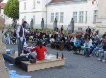 Alba Iulia: Daca e vineri, e teatru cu… Skepsis