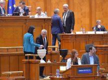 Florin Roman: Nici o zi fara vesti proaste de la Guvern