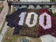 România 100! Record Guinness Book pentru cea mai mare hartă formată din oameni, stabilit la Alba Iulia