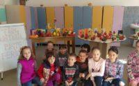"""Târg caritabil cu ocazia Sfintelor Sărbători de Paști, la Centrul de zi """"Sfânta Varvara"""" Baia de Arieș"""