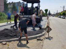 In Aiud se asfalteaza la greu!