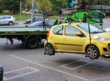 Autoturismele parcate neregulamentar pot fi un real pericol.